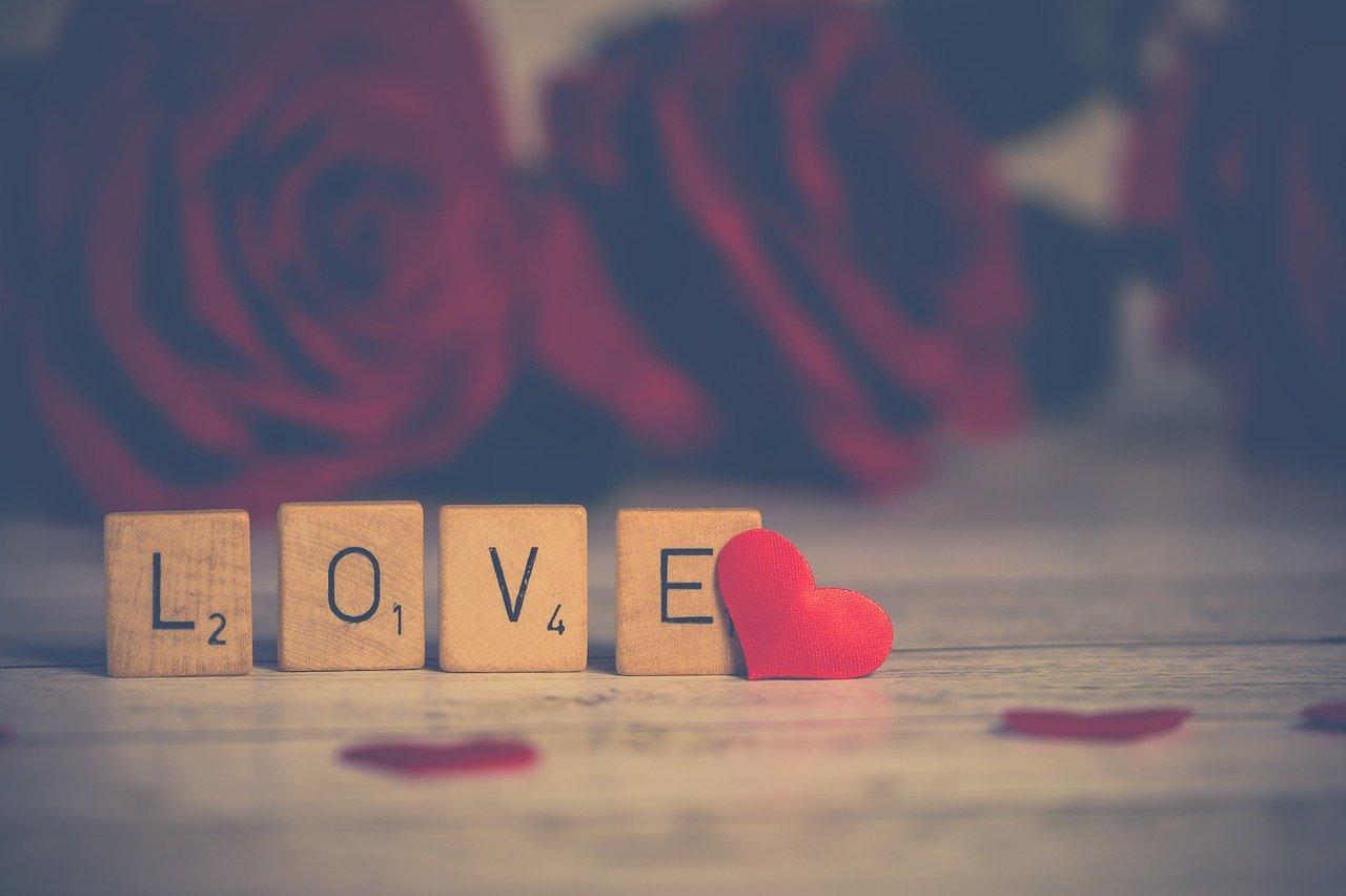 علامات الحب الصادق عند المرأة مجلة محطات